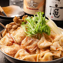 鶏肉と水餃子の水炊き鍋