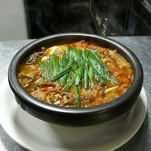 もつ鍋(辛味噌味)