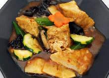 揚げ豆腐と野菜のピリ辛炒め