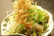 大根とごぼうのサラダ ほうじ茶ドレッシングがけ