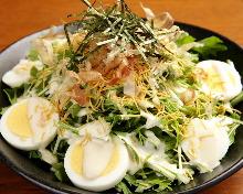 水菜と揚げ麺のサラダ