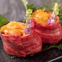 ウニのせ牛肉寿司