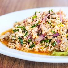 豚肉とハーブのサラダ