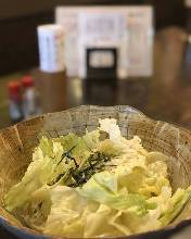 レタスの塩ごまサラダ