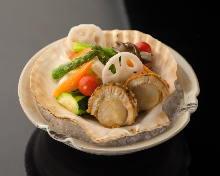 帆立と旬野菜のバター焼き