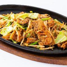 김치 돼지고기 볶음