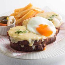 크로크 마담(프랑스의 계란 올린 빵)