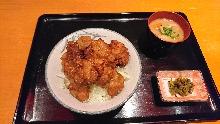 닭튀김 덮밥