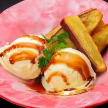 바닐라 아이스크림 곁들인 고구마 철판 구이
