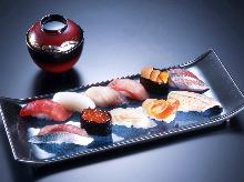 모둠 쥔 초밥 11가지 붉은 된장국 포함