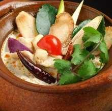 닭 코코넛밀크 수프
