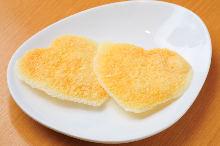 얇게 구운 치즈