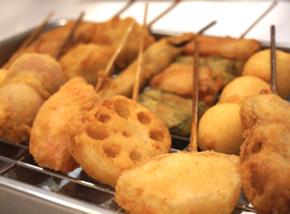 쿠시아게: 꼬치로 최고인 일본 튀긴 음식