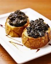 블랙 마늘 토스트
