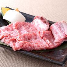 와규 뼈가 있는 갈비(고기 구이)