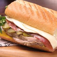 바게트 샌드위치