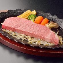 와규 설로인 숯불 구이 스테이크
