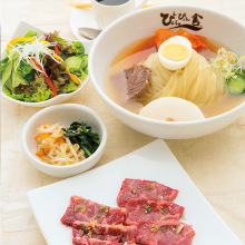 모리오카 냉면 고기 구이 스페셜 런치