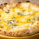 四种奶酪披萨