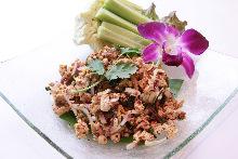 泰式香辛鸡肉沙拉