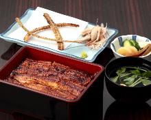 中鳗鱼盒饭
