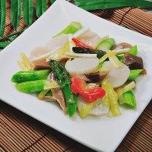 扇贝芦笋炒蘑菇
