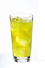 绿茶高杯酒