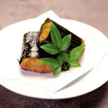 矶边烧(紫菜烤年糕)