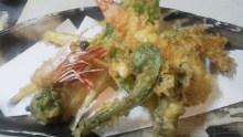 鲜虾和时令蔬菜的天妇罗拼盘