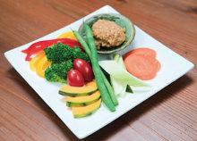 黑猪肉蔬菜沙拉