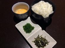 杂烩粥(只有米饭和鸡蛋)