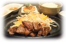 瘦肉牛排午间套餐