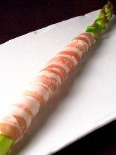 五花猪肉卷芦笋烤串