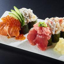 木盒满溢寿司