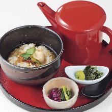 茶泡饭 配花椒小鳀鱼干