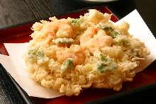 炸什锦虾仁和蔬菜