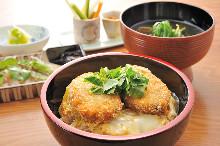 竹荚鱼盖饭