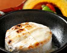 箱烤卡芒贝尔奶酪