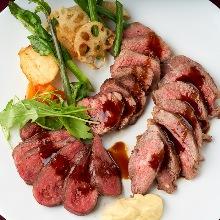 肉类料理拼盘