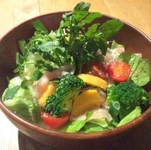生火腿时令蔬菜沙拉