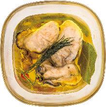橄榄油腌渍熏制牡蛎