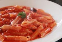 意式辣番茄酱斜管面