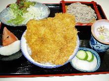 炸猪排盖饭和荞麦面套餐