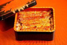 大鳗鱼盒饭