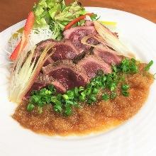 炙烤鸵鸟肉沙拉
