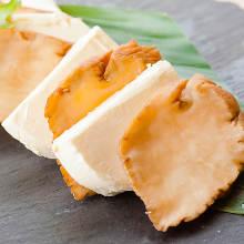 奶酪配烟熏腌菜