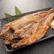 炭火烤开口远东多线鱼