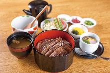 牛肉饭御膳(牛肉饭三吃)