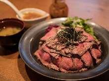 烤牛肉盖饭