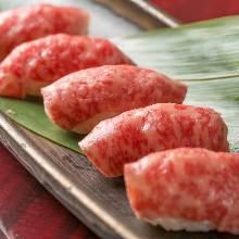 炙烤和牛手握寿司